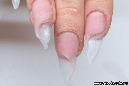 Производим подготовительный этап ногтей к наращиванию, акрилом формируем подложку, камуфляжем формируем удлинение с...